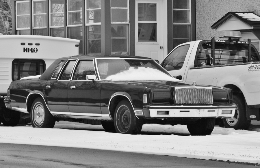 1979 or 1980 R-body Chrysler New Yorker, spotted in Gatineau, Quebec.