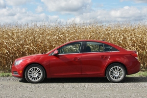 On a 163 km journey from Killaloe, ON to downtown Ottawa, the Cruze Eco managed an average of 66.5 mpg (Imp.), or 4.2 L/100km.