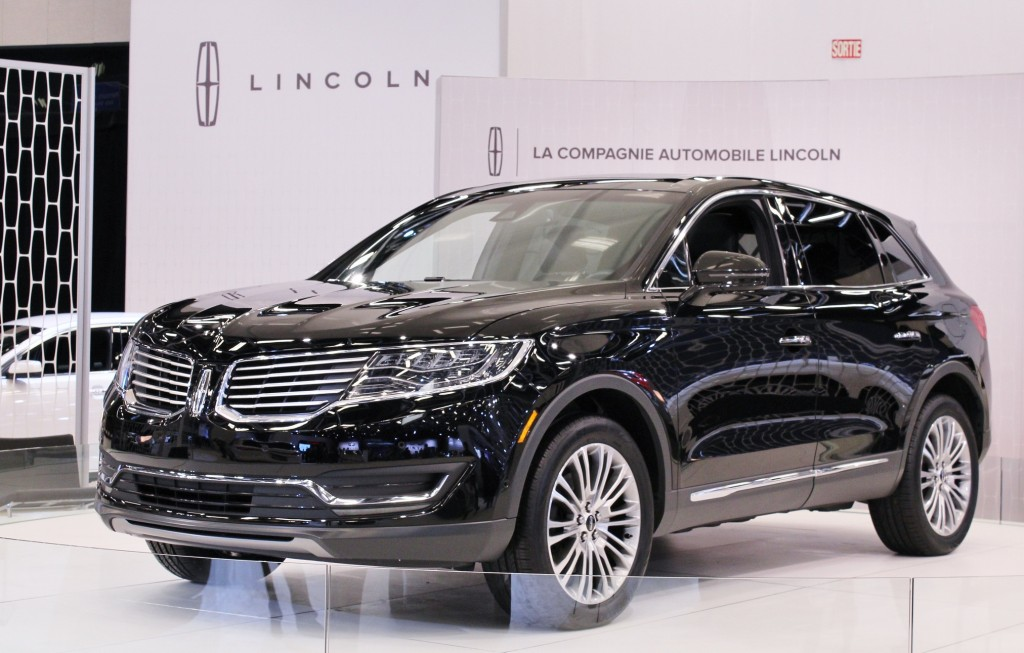 The 2016 Lincoln MKX will adopt what's good about its little brother, the MKC (hint: tasteful styling)