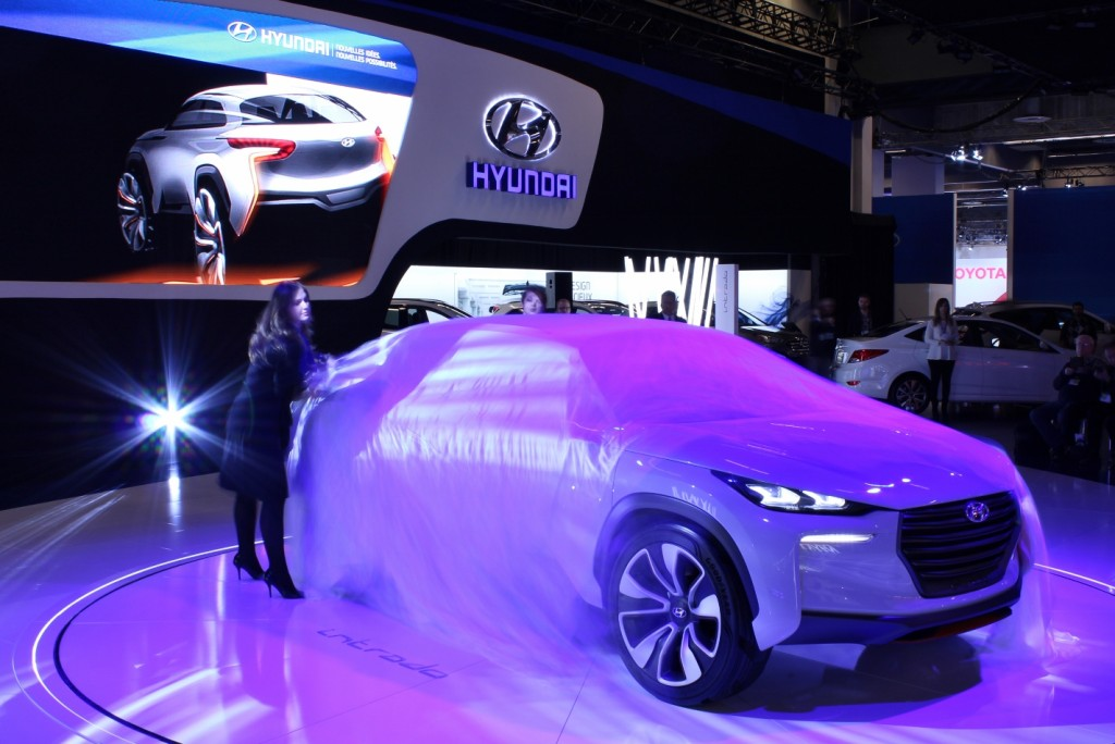 The Hyundai Intrado sport crossover concept comes unwrapped at the Montreal International Auto Show.