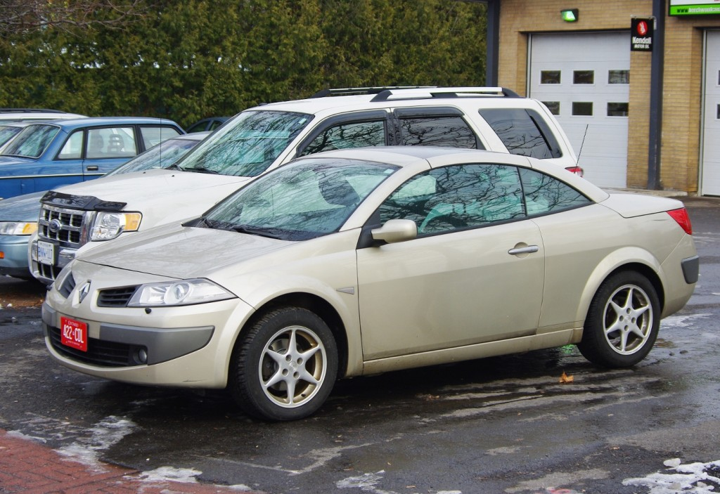 Straight outta France: 2006-2008 Renault Mégane CC, spotted in Ottawa, Ontario.