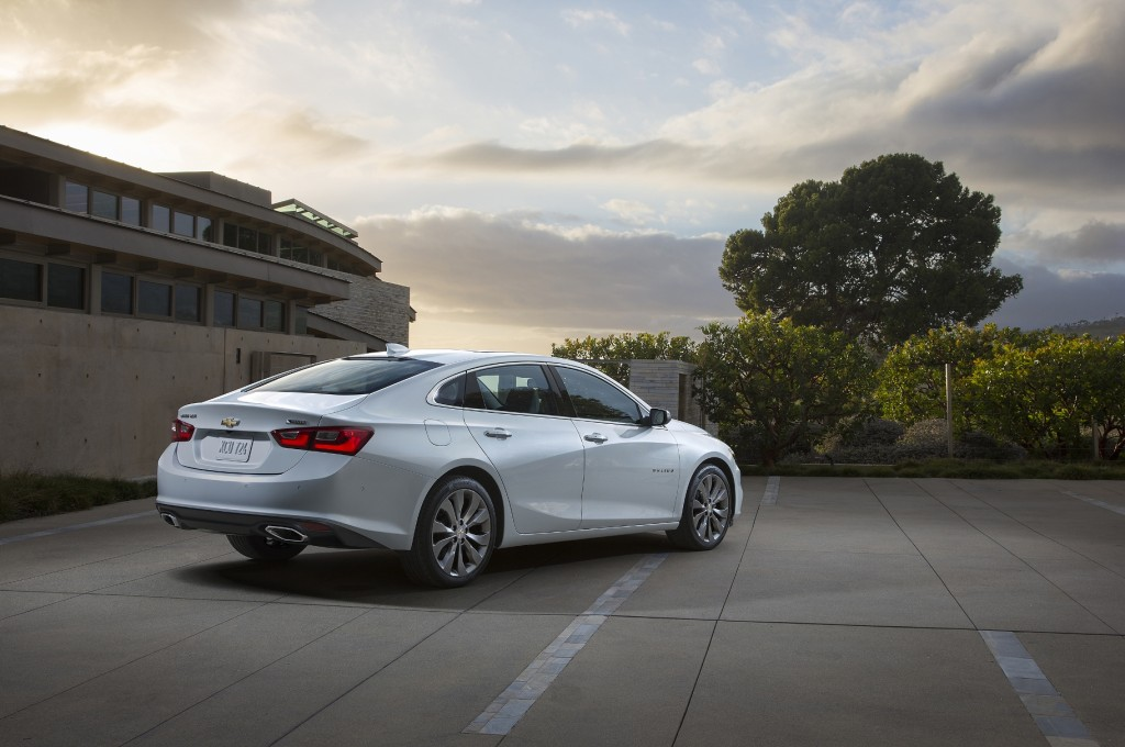 The best view of the 2016 Malibu, IMHO. Can you tell it's longer? (Image: General Motors)