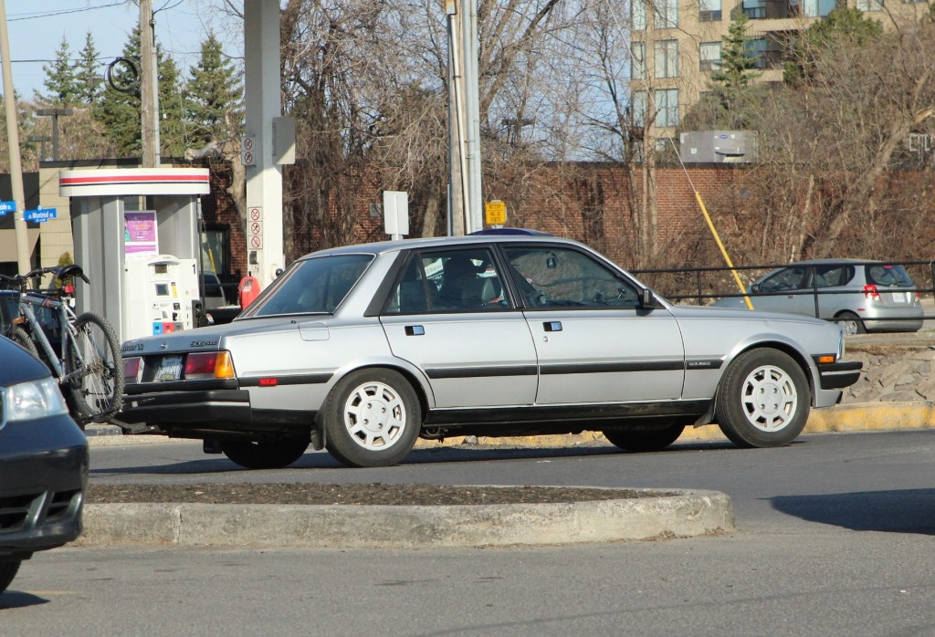 Late 1980s Peugeot 505 V6, spotted in Ottawa, Ontario.