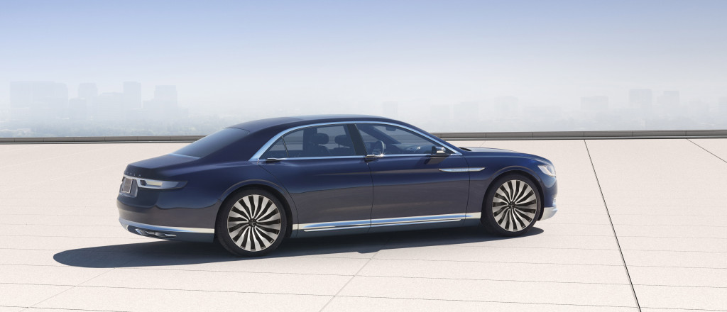 Attractive lower-body chrome trim accentuates the Continental's lines, length, and perceived luxury (Image: Ford Motor Company)