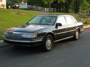 1991 Lincoln Continental (Image via)