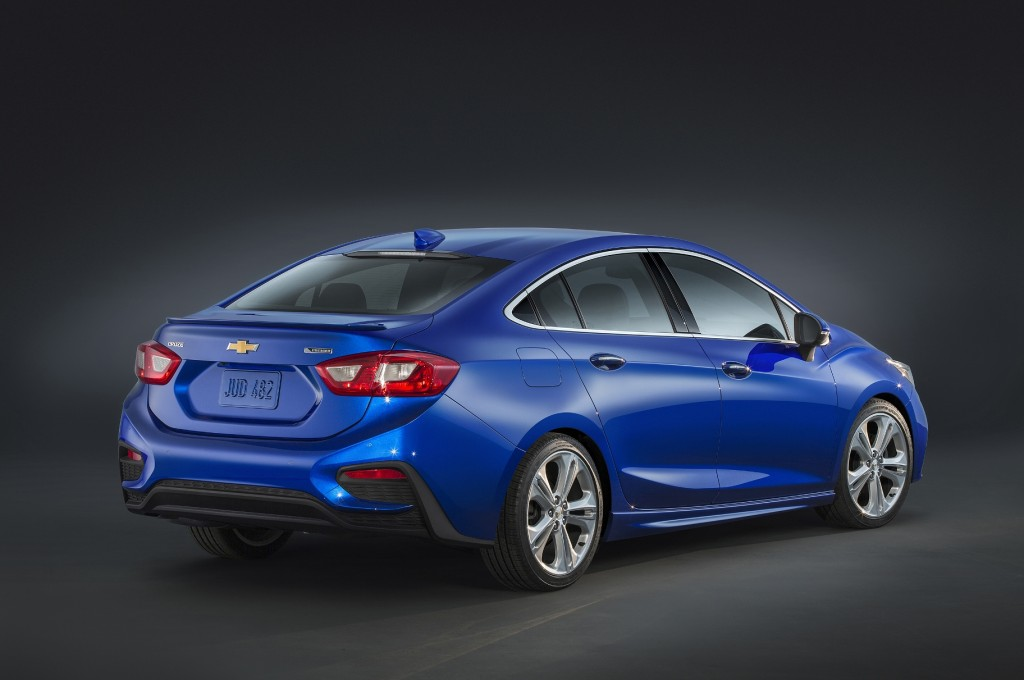 The 2016 Cruze is seeking a competitive edge over its rivals (Image: General Motors)