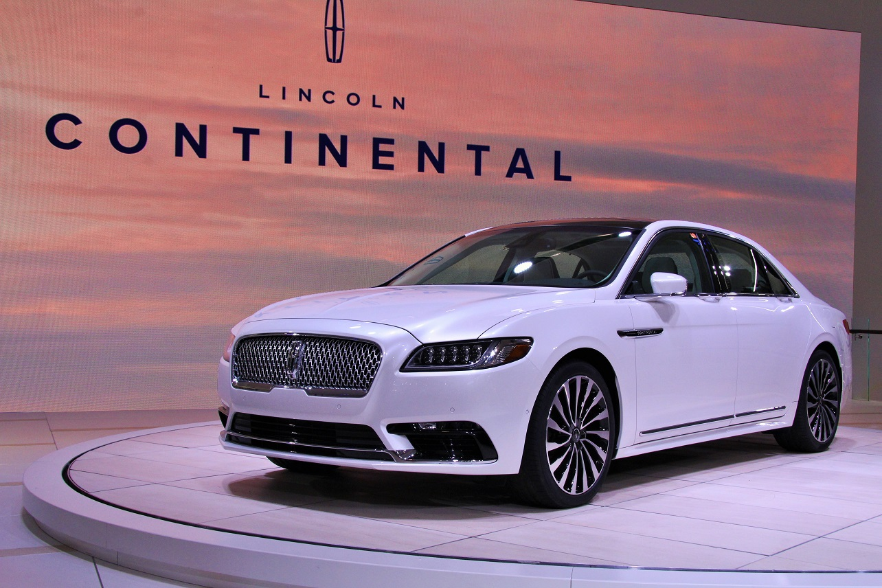 Blue trumps white when it comes to showing off the Continental's subtle lines.